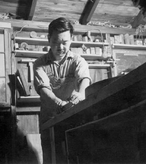 Nakashima working on his next piece of magic. Source: http://www.nakashimawoodworker.com/ image by unknown.
