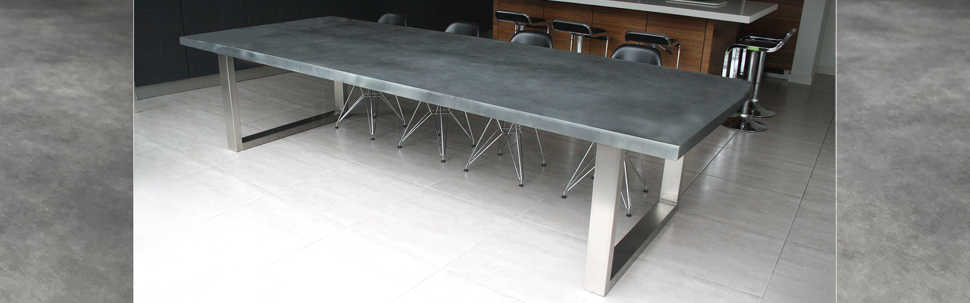 Signature table zinc light patina