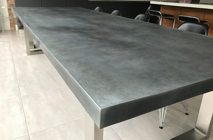 Contemporary zinc furniture zinc tables zinc top for Table exterieur zinc