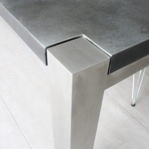Trunk Zinc table